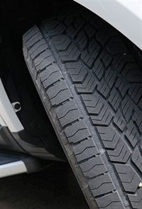 The tire is geared toward CUV, SUV and light truck owners looking for on-road manners as well as off-roading capability. Its flat contour shape and strong tread shoulders help boost tread life.