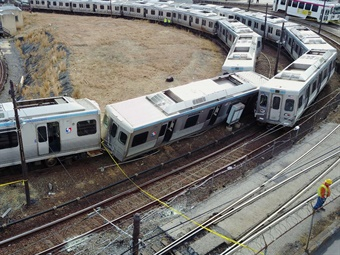 NTSB: Equip all rail transit vehicles with inward- and
