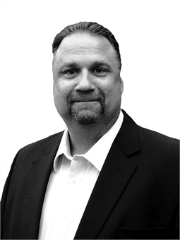 Rob Lemke is Stantec principal, a business developer, and senior project manager.