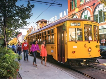 Arkansas' Rock Region Metro launched a new streetcar sponsorship plan, aiming to bolster revenue to support its fare-free promotion for the streetcars. Photo: Rock Region Metro