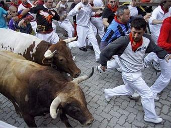 Running of the bulls in Pamplona, Spain. Asier Solana Bermejo-WikimediaCommons