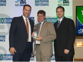 Stark County, Ohio-based Stark Area Regional Transit Authority (SARTA) was awarded the Transit & Mobility Award for Demonstrating Leadership in Sustainable Passenger Transport at the Advanced Clean Transportation (ACT) Expo on May 2, 2018. Photo: SARTA