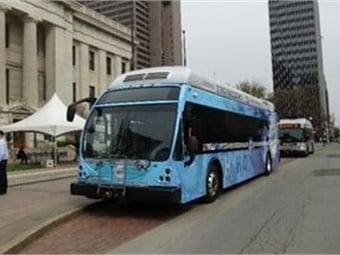 Ohio-based Stark Area Regional Transit Authority took part in a study evaluating the relationship between ambient temperature and fuel economy for zero-emission buses (hydrogen fuel-cell bus shown). SARTA