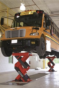 With its original double-scissors design, the ECOLIFT is ideal for working on low-floor vehicles, which are showing up in greater numbers in school bus fleets.