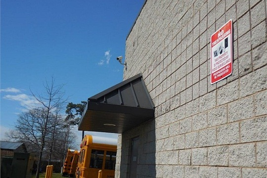 After a voluntary TSA assessment, Suffolk Transportation Service made a major property investment and installed lighting, fencing, barbed wire, and securitycameras, so it could park its buses onsite every evening.