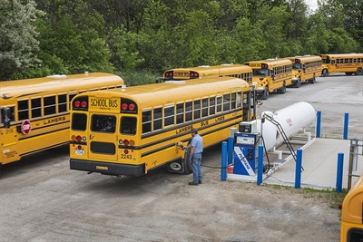 Lamers operates over 150 Blue Bird Vision Propane buses. In July, the bus company partnered with Blue Bird on a propane training clinic. Lamers hosted the clinic at its training center and invited some of the other school transportation companies in the area to send their technicians.