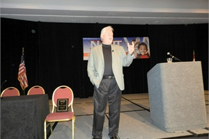 Best-selling author, comedian and motivational speaker Steve Gilliland got audience members laughing while sharing lessons on leadership during his keynote presentation on Sunday.