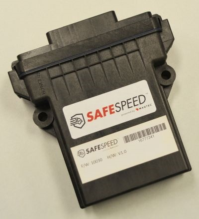 The SafeSpeed device uses GPS to limit vehicle speed in real time according to posted speed limits.