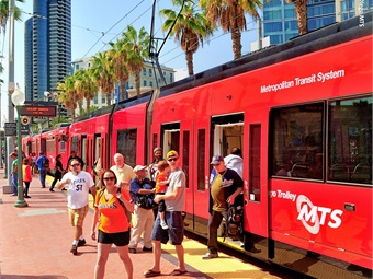San Diego's Metropolitan Transit System (MTS) has chosen INIT Innovations in Transportation Inc. for the delivery of an account-based, open architecture electronic fare system. Photo: San Diego MTS