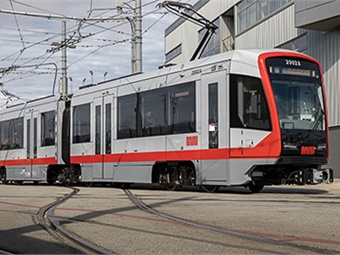 Siemens newly-developed light rail vehicle is based on its Model S200 and is especially energy-efficient thanks to a light-weight drive system that recuperates braking energy and an LED lighting system that uses up to 40% less electricity than standard neon lighting.