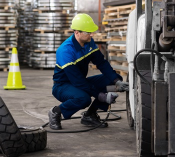 Camso is expanding its on-site industrial tire service offering as well as its distribution network through the purchase of Omni Industrial Tire.