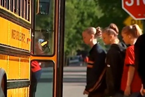 This Minnesota School Bus Operators Association video outlines commons mistakes that motorists make when driving around school buses.