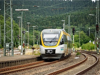 The new trainsets are composed of five cars and can carry up to 532 passengers, with 266 seated.