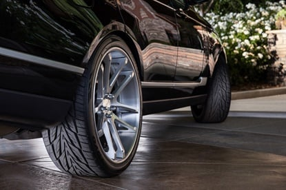 Toyo says the Proxes ST III offersa goodbalance of styleand sport-oriented performance.