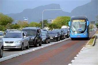 Rio De Janeiro's TransOeste bus rapid transit system pictured.Photo by Mariana Gil/EMBARQ Brasil