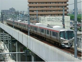 The Tsukuba Express during a 2005 trial run. Photo via Wikimedia/ LERK