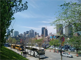 Spring sunshine over Montreal's downtown during UITP Summit