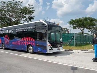 Volvo showcased its autonomous bus capabilities earlier this year in Singapore and then recently with an electric bus that can drive around real depots.