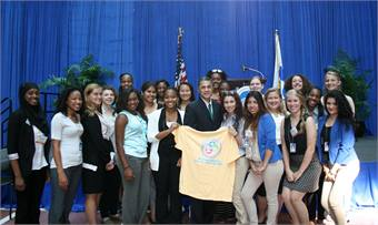 National Deputy Secretary for Transportation, Victor Mendez, with the 2014 Transportation YOU DC Summit attendees.