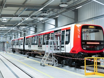In total, Alstom will supply 30 trains and the system of automatic train operation, designed to increase the transport capacity of line B of the Lyon metro. Alstom
