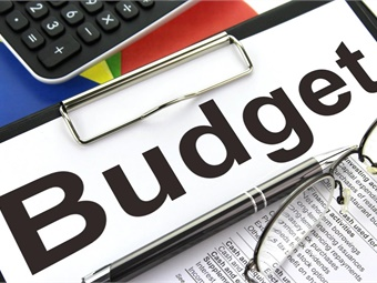 The proposed budget cuts funding from $2.5 billion to $1.5 billion for the Capital Improvement Grants program. Alpha Stock Images