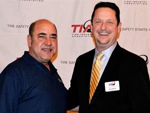 CTDA board member Billy Eordekian, left, met with TIA President David Martin at TIA Honors 2017.
