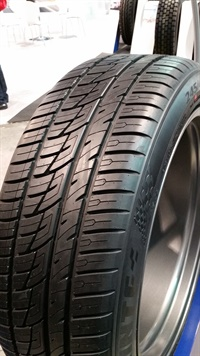 Sentury Tire Americas showcased one of the Delinte DS8's 84 sizes -- 245/45ZR21 XL 107W -- at the SEMA Show.