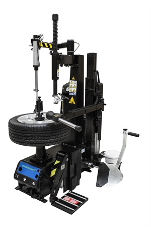 """Hofmann's Monty 8100S center post tire changer features the company's """"SmartSpeed"""" technology."""