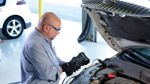 The CPX-900 battery and system analyzer from Midtronics for conventional and advanced vehicle...