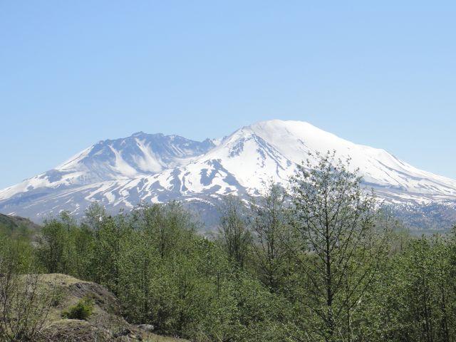 Pepper spray on school bus disrupts trip to volcano