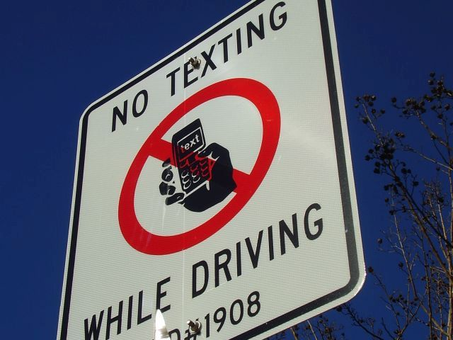 Bill targets school bus driver texting
