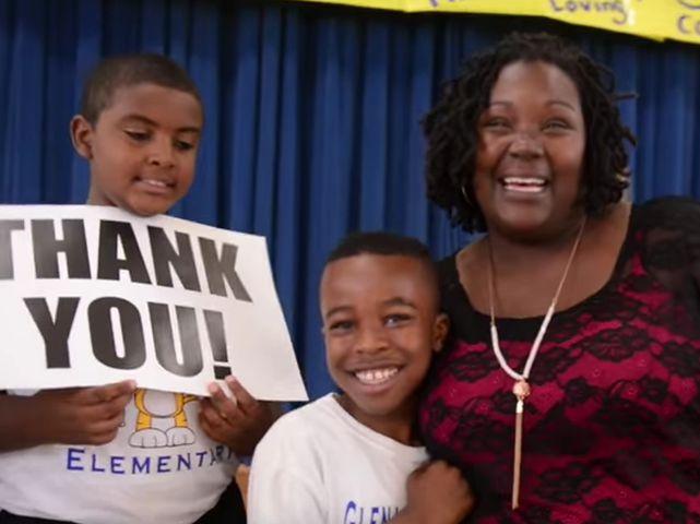 School Bus Driver Recounts Fire Evacuation, Gets Big Gift on 'Ellen' Show