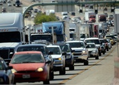 U.S. commuters waste 7 billion hours sitting in traffic, report says