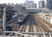 Metra seeks firm to manufacture up to 367 new railcars