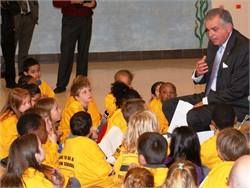 U.S. Secretary of Transportation Ray LaHood spoke to students and answered a variety of questions from them at a Love the Bus event in Maryland. 