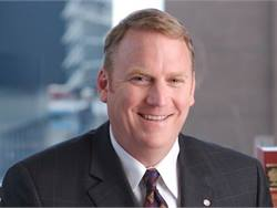 Mike Murray, president and CEO of FirstGroup America, will resign his post at the end of this week. A spokesperson said that after 10 years with the company, Murray has decided to make a career change.