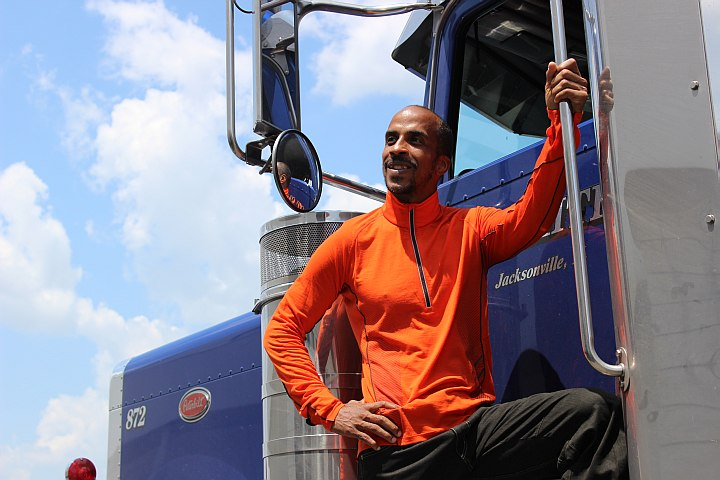 Q&A: Trucker-Turned-Triathlete on Staying Fit for Driving