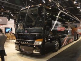 Setra's S 417 featured a redesigned front fascia and improved rear styling.
