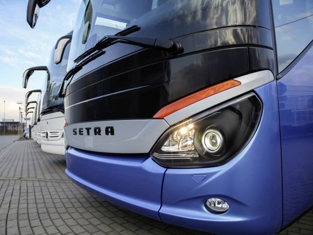 Daimler Buses, Rev Group Team Up in North America