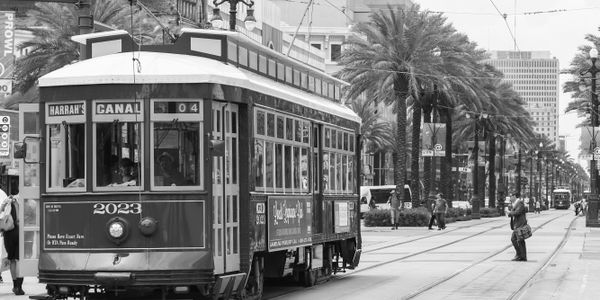 New Orleans Streetcar via Shutterstock.