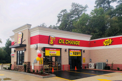 Castrol and Take 5 Oil Change Join Forces