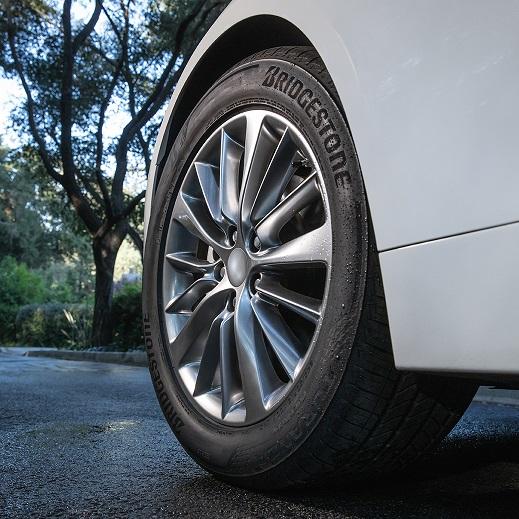 Bridgestone Offers Turanza QuietTrack Touring Tire