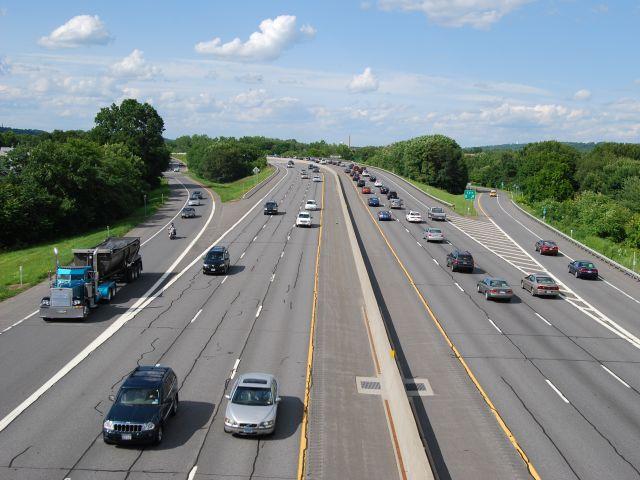 NHTSA: Traffic fatalities dropped 3.1% in 2013