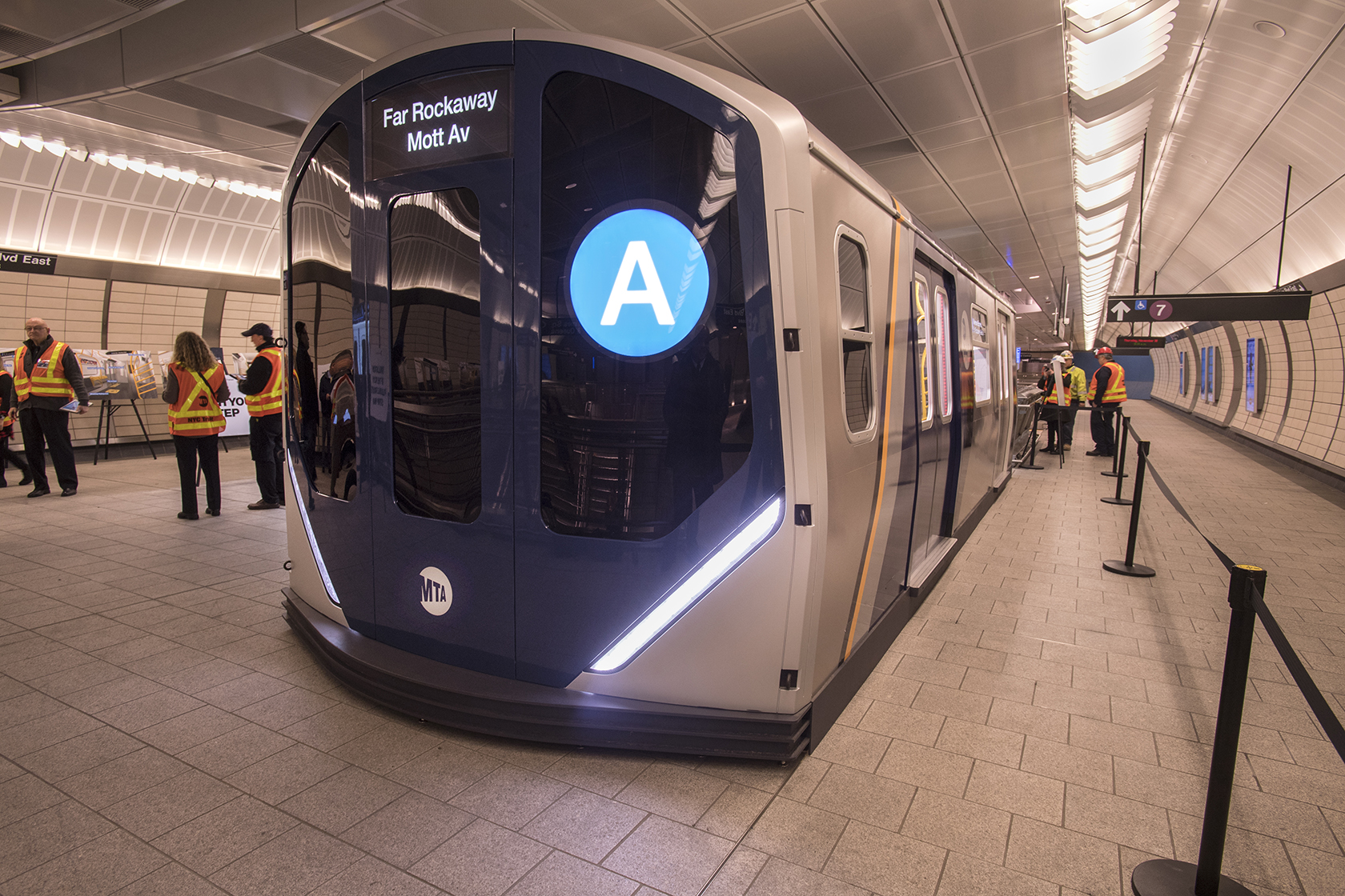 [Photos] Tour NY MTA's next-generation subway cars