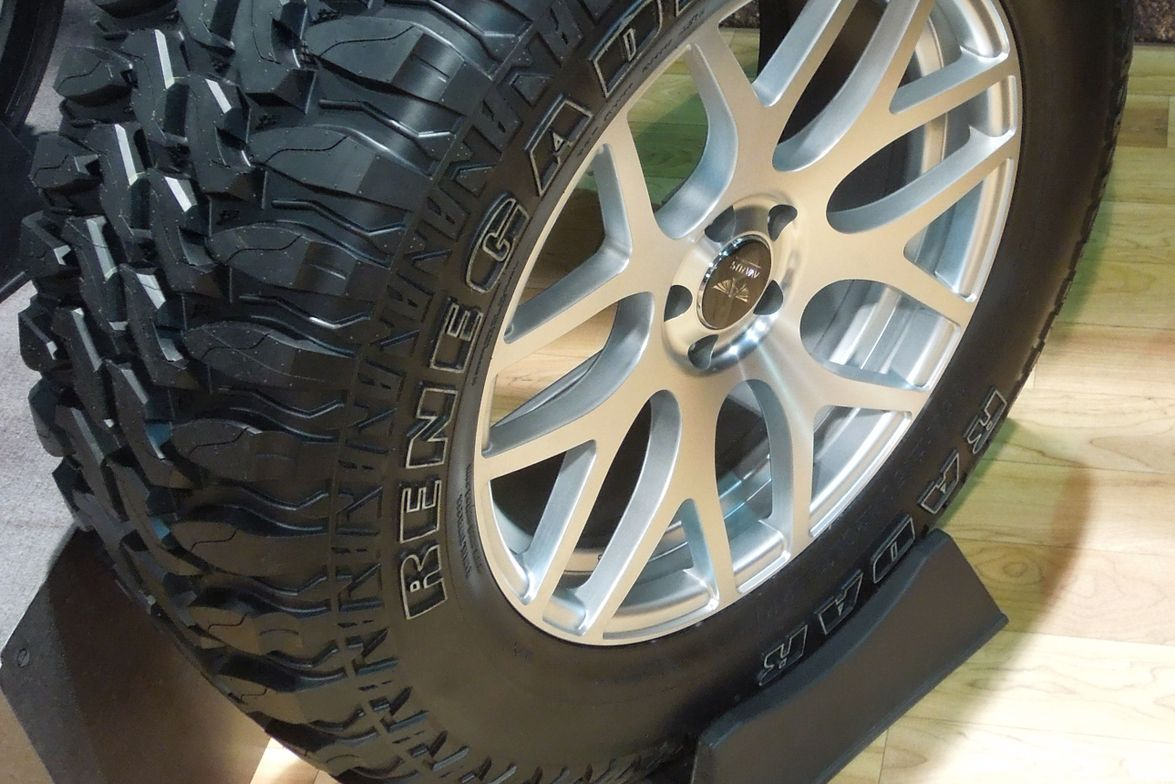 The new Radar Renegade R7 M/T is more of a replacement aftermarket tire than the race-proven R5 M/T.
