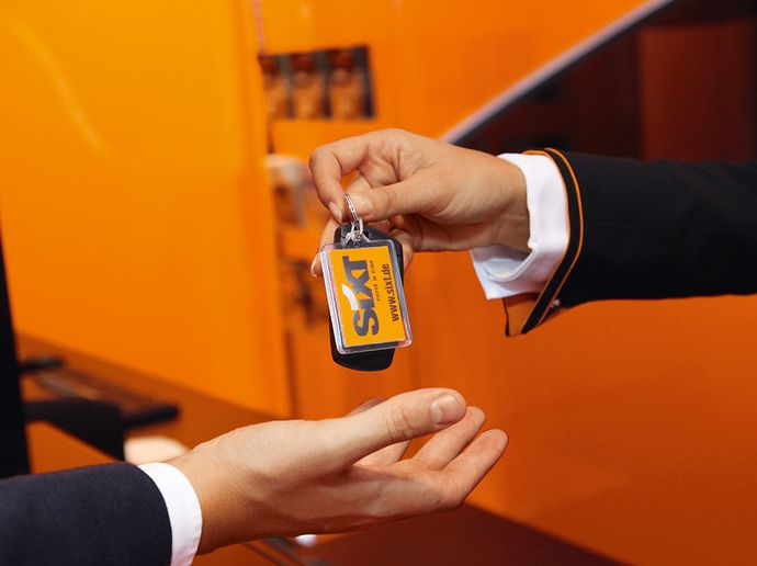 ​Through Sixt rent, the app becomes a digital counter. - Photo via Sixt.Through Sixt rent, the app becomes a digital counter.