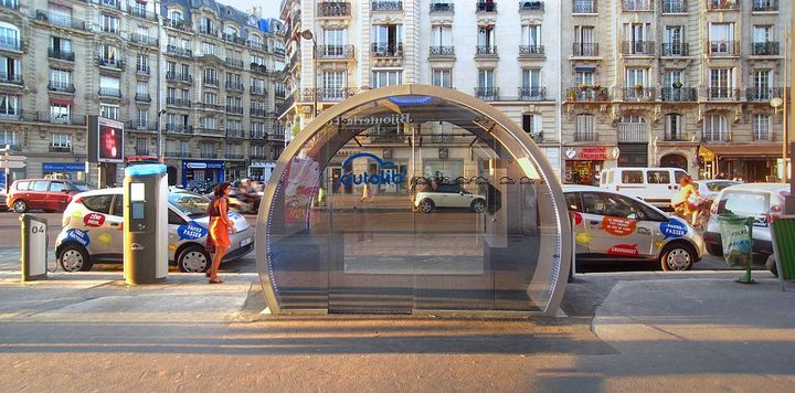 After requesting taxpayers to supplement much of its operating costs, Paris officials canceled their contract with carsharing operator, Ballore. - Photo viaPoulpy/Flickr.