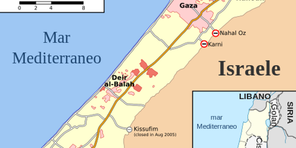 The city of Sderot has a population of 27,635 and located less than a mile from the northeast...