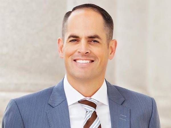 Mike K. McKellis a member of theUtah State Senateserving the 7th District. He previously served in theUtah House of Representatives from 2013-2021. -