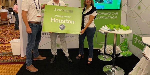 Joe Cross (left), Green Motion U.S. Development Manager, Kal Abushabaan (middle), owner ofGreen...